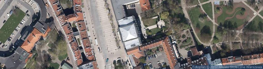 Zdjęcie satelitarne Krakowskie Przedmieście 64
