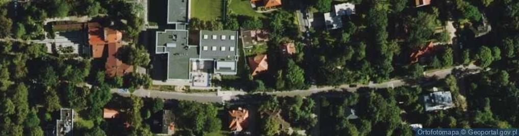 Zdjęcie satelitarne Modrzewiowa 38