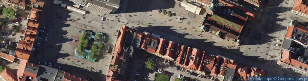 Zdjęcie satelitarne Rynek 16-17