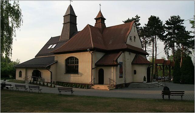 Kościół Matki Bożej Królowej Polski w Krakowie (ul.Kobier... - Zdjęcia